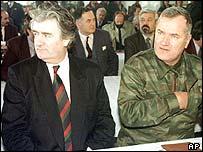 Radovan Karadzic (l) and Ratko Mladic (r)