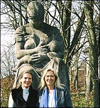 Gisela Heidenreich (left) and Brigitta Rombeck