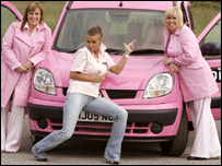 Kerry Katona (centre) with Pink Ladies founders  Andrea Winders (l) and Tina Dutton (r)