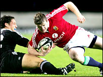 Brian O'Driscoll in action against the New Zealand Maori