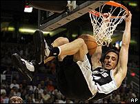 Manu Gin�bili, de los Spurs de San Antonio