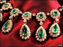 Колье с изумрудами и бриллиантами