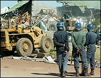 Homes in Harare shanty town being destroyed