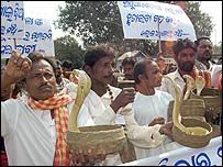 Snake charmer protesters in Orissa