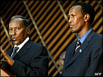 Somali President Yusuf  (left) and Mr Ghedi