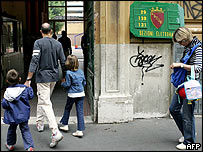 Family arrives at polling station in Italy
