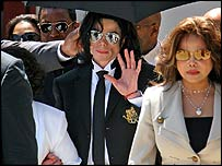 Michael Jackson leaving court