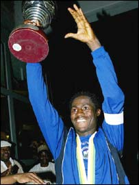 Enyimba captain Obinna Nwaneri lifts the Champions League trophy
