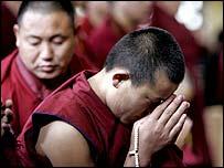 Monjes budistas en el Tibet