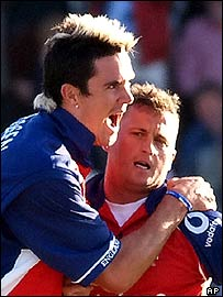 "Kevin Pietersen and Darren Gough, two of England's ""big guns"""