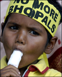 Boy protests about Bhopal, AP