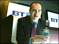BT executive shows off BT Fusion handset