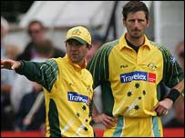 Ricky Ponting and Michael Kasprowicz