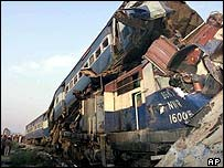 Site of rail crash near Mukerian in Punjab, 14 December 2004