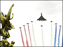 El Concorde sobrevuela Londres durante el jubileo de la reina