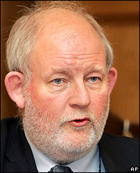 Charles Clarke, ministro del Interior del Reino Unido.