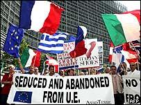 Protestas de productores de zapatos en Bruselas