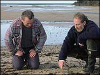 Nick Darke (l) on Porthcothan beach