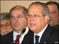 Jos� Dirceu presenta su renuncia./ Foto de archivo