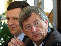 Luxembourg's Prime Minister Jean Claude Juncker (right) and European Commission President Jose Manuel Barroso
