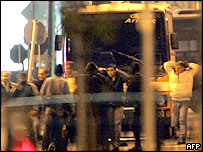 Remaining hostages leave hijacked bus in Athens