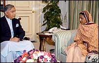PM Shaukat Aziz and Mukhtar Mai