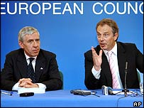 UK Foreign Secretary Jack Straw (left) and UK Prime Minister Tony Blair