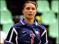 Maurizia Cacciatori, foto cortes�a de  www.v-spirit.com.