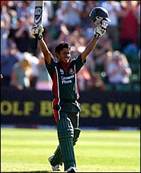 Mohammed Ashraful becomes only the second Bangladesh cricketer to score a one-day century
