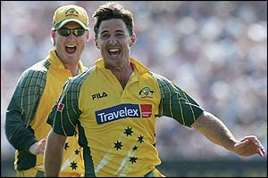 Brad Hogg celebrates the wicket of Flintoff