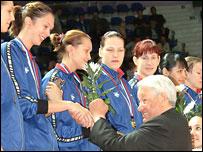 Ельцин и волейболистки