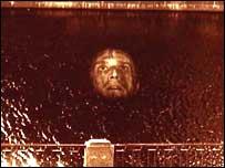 """Кадр из нового фильма Юфита """"Прямохождение"""" (фото с сайта роттердамского фестиваля)"""