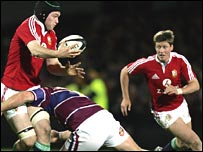 Michael Owen (L) and Ronan O'Gara