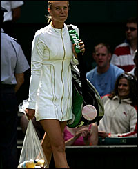 Defending champion Maria Sharapova