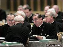 L�deres de la Iglesia Cat�lica estadounidense durante la Conferencia de Obispos Cat�licos de Estados Unidos, en junio de 2005.