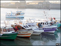 Fishing boats block the port of Boulogne-sur-Mer (AFP)
