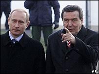Vladimir Putin (left) and Gerhard Schroeder