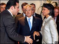 Ayman Nour greets Condoleezza Rice in Cairo