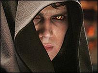 Hayden Christensen plays Anakin Skywalker