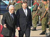 Mahmoud Abbas (right) and Tony Blair