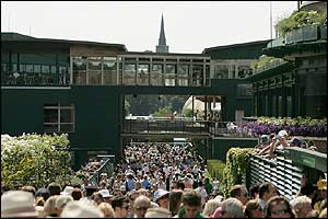 Huge crowds bask in the hot sunshine at Wimbledon