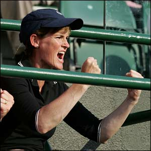 Judy Murray cheers on her teenage son