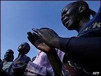 Women grieve for John Garang