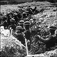 Soldiers in trenches in 1917