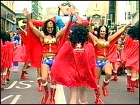 Wonder Woman impersonators at 2005 Pride