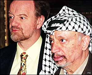 Robin Cook with PLO leader Yasser Arafat in 1998