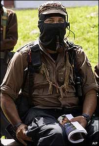 Subcomandante Marcos antes de iniciar una reunión en el estado mexicano de Chiapas