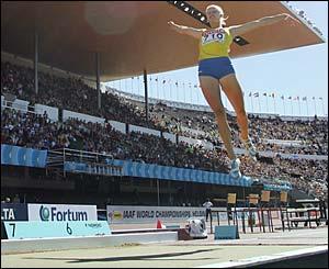 Carolina Kluft in action