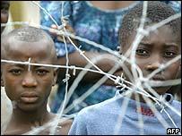 Niños marfileños
