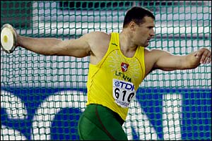 Virgilijus Alekna in discus action